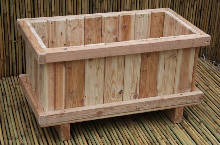 bambus pflanzenshop pflanzk bel aus l rchenholz kaufen. Black Bedroom Furniture Sets. Home Design Ideas